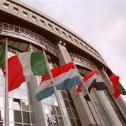 Zone euro : le chômage recule, les risques de déflation s'éloignent