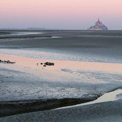 Avec les grandes marées, le Mont-Saint-Michel dans l'objectif