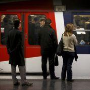 Première action de groupe en vue d'usagers du RER A contre la RATP