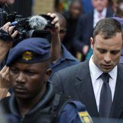 De peur d'être empoisonné, Pistorius ne mangerait que des conserves en prison