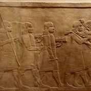 Daech détruit au bulldozer les vestiges d'une cité assyrienne en Irak