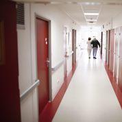 Fin de vie: les pro et anti-euthanasie ont aiguisé leurs armes