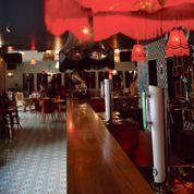 Le Bar à Bulles, sous les ailes du Moulin Rouge