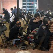 Ferguson : des manifestations dégénèrent, deux policiers blessés