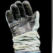 En voulez-vous ? Un gant spatial ou les bottines de Joséphine