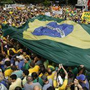 Au Brésil, Dilma Rousseff mobilise en masse contre elle