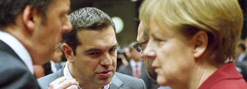 Grèce: la fuite des capitaux s'accélère, Alexis Tsipras aux abois à Bruxelles