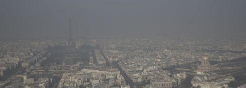 Anne Hidalgo annonce la circulation alternée lundi à Paris