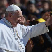 Le pape François défie la mafia napolitaine