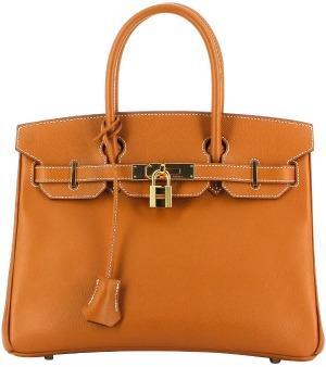 323e688508 Ultra recherché parmi les sacs iconiques de la maison Hermès, le sac Birkin  naît de la rencontre fortuite de Jane Birkin et de Jean-Louis Dumas, ...