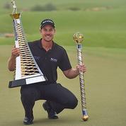 DP World Tour Championship : Henrik Stenson triomphe malgré Victor Dubuisson