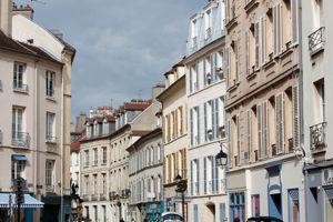 Saint Germain en Laye (78) : rue du vieil Abreuvoir   Saint Germain en Laye (78): old street drinker[AT]