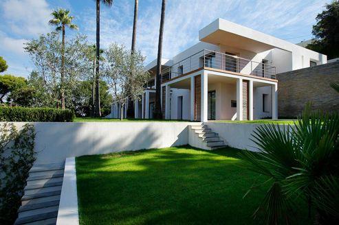 Avant une vente, d'importants travaux sont parfois réalisés. Le résultat est au rendez-vous dans cette maison à Cannes.