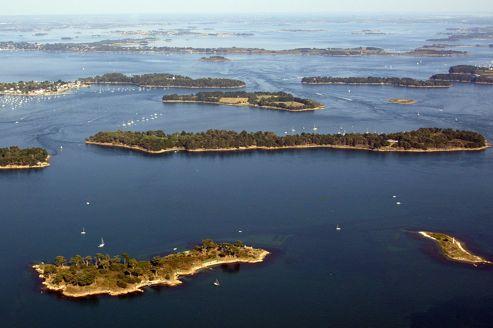 Vue aérienne du golfe du Morbihan. (Image d'illustration)
