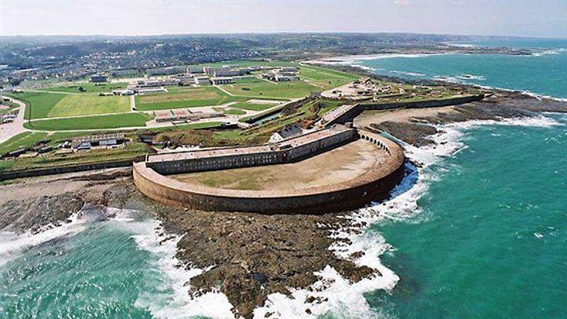 La réhabilitation du fort de Querqueville devrait coûter plusieurs millions d'euros.