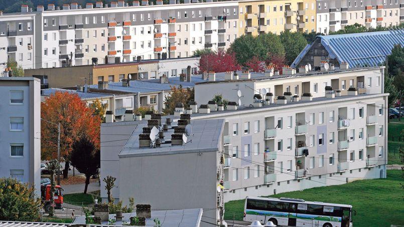 Barres d'HLM à Behren-lès-Forbach (Moselle), considérée comme la ville la plus pauvre de France.