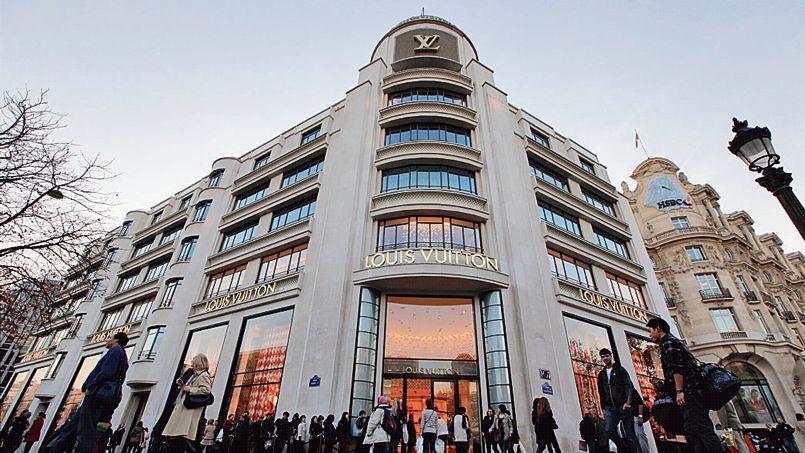 Fin avril, la foncière Gecina, propriétaire notamment de l'immeuble Louis Vuitton sur les Champs-Élysées, a mis fin au mandat de trois administrateurs espagnols.
