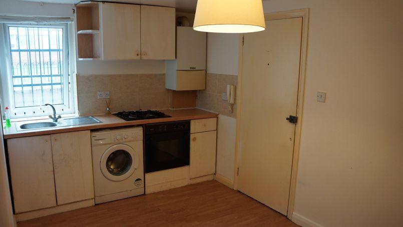 La cuisine, entrée et salon de l'appartement loué sur Zoopla par Harvey Residential Crédit photo: Zoopla