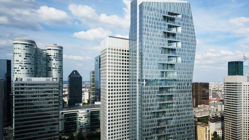 Au premier plan, la tour Majunga, dans le quartier d'affaires de La Défense, près de Paris. Crédit: Takuji Shimmura/Architecte Jean-Paul Viguier et Associés