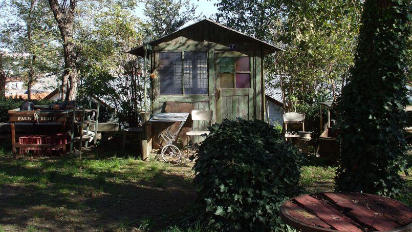 Une cabane au fond d'un jardin. Crédit: Flickr @ bagolina.