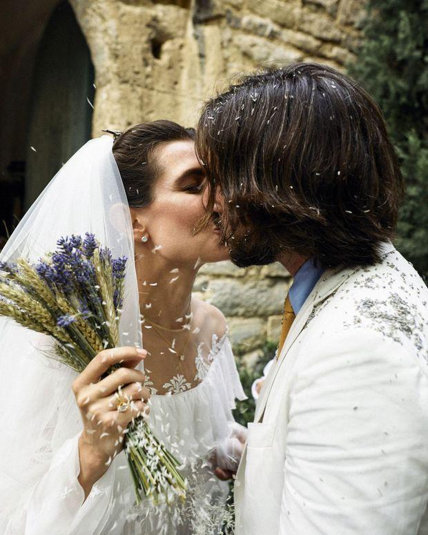 Une photo du mariage de Charlotte Casiraghi et Dimitri Rassam, le 29 juin  2019 à Saint,Rémy de Provence.