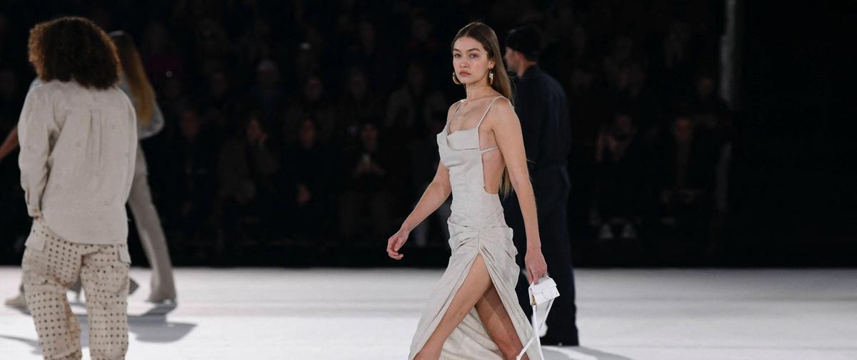 De fil en aiguille, les amateurs de mode deviendront des experts, et pourquoi pas des créateurs. L'Institut Français de la Mode propose pour cela une série de quatre cours en ligne sur l'industrie de la mode et le stylisme. Une formation gratuit