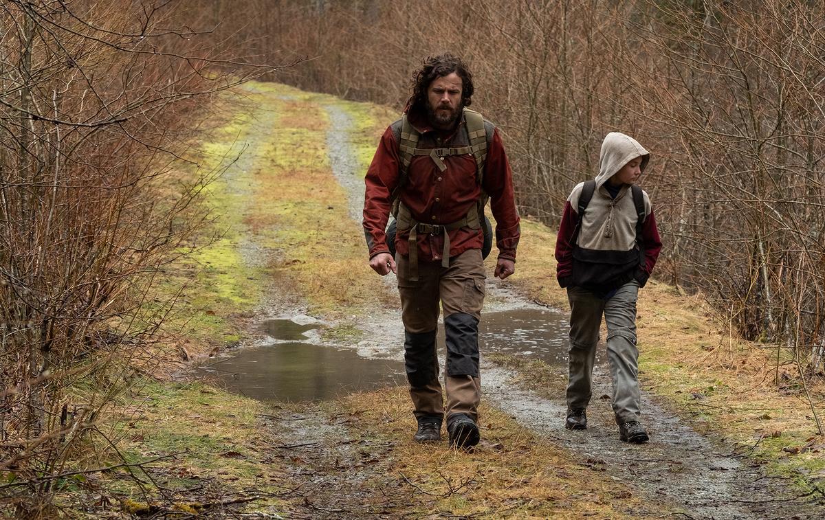 """Dans """"Light of My Life"""" Casey Affleck protège sa fille, seule rescapée d'un monde sans femmes"""
