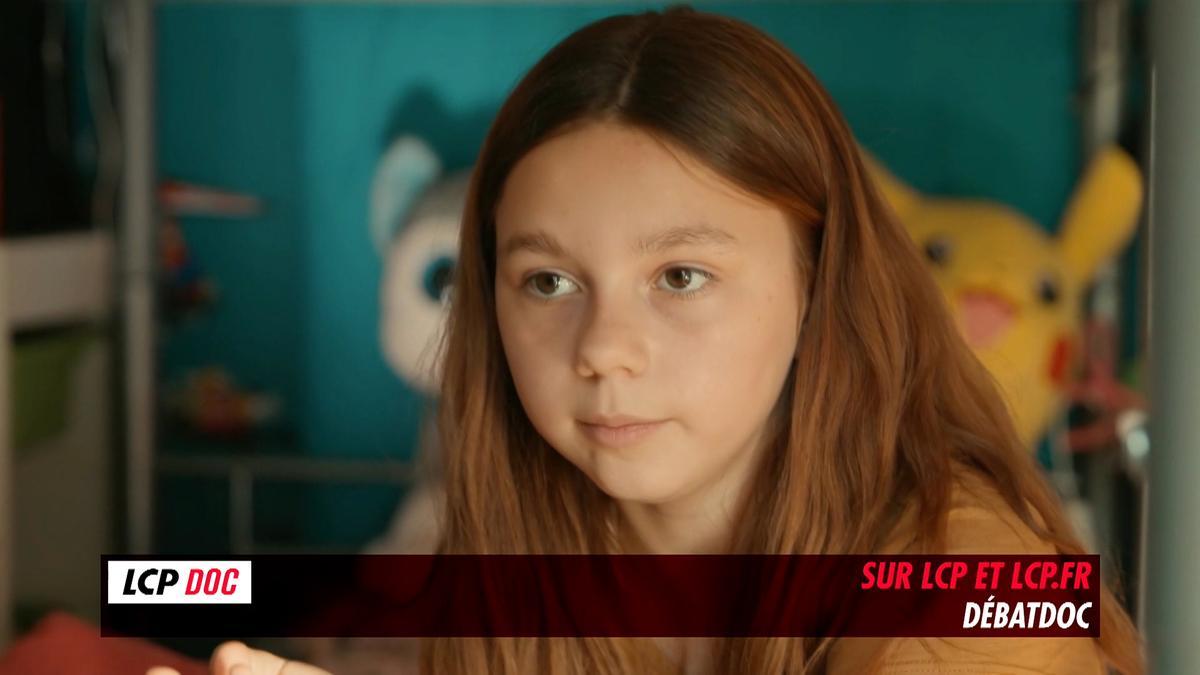"""""""Je suis née dans un autre ventre"""": des enfants conçus par PMA et GPA prennent la parole dans un documentaire"""