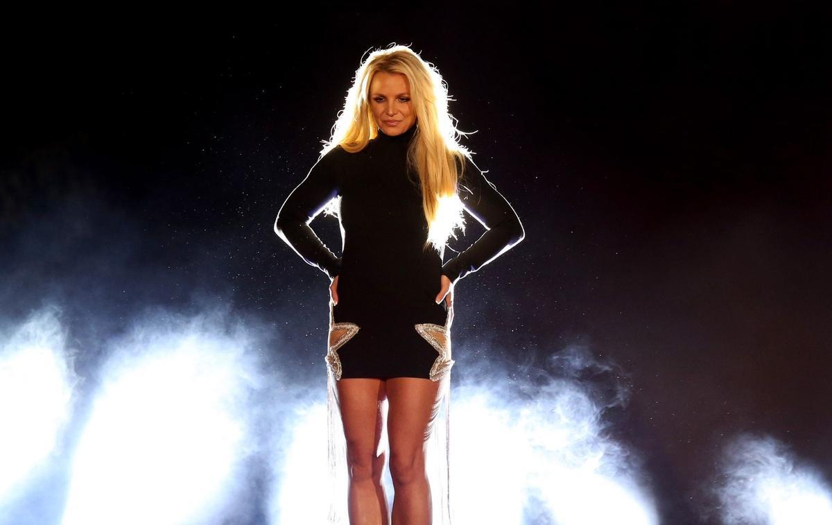 #FreeBritney, les fans de Britney Spears interrogent sa mise sous tutelle vieille de plus de vingt ans - Le Figaro