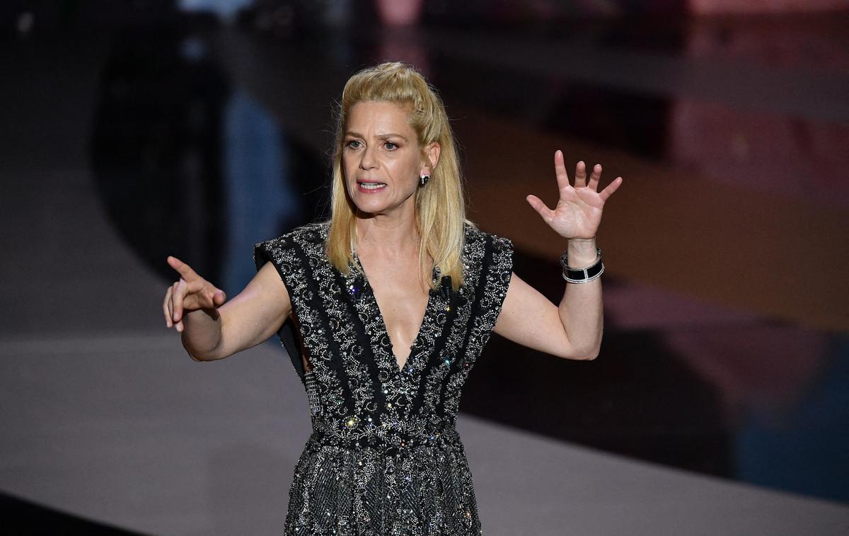 Les secrets derrière la robe Louis Vuitton portée par Marina Foïs aux César - Le Figaro