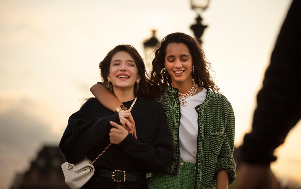 Chanel rend hommage à son sac iconique, le 11.12, dans un film réalisé par Sofia Coppola