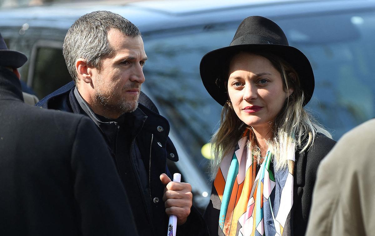 Marion Cotillard et Guillaume Canet divulguent leur numéro de portable pour retrouver leur chat