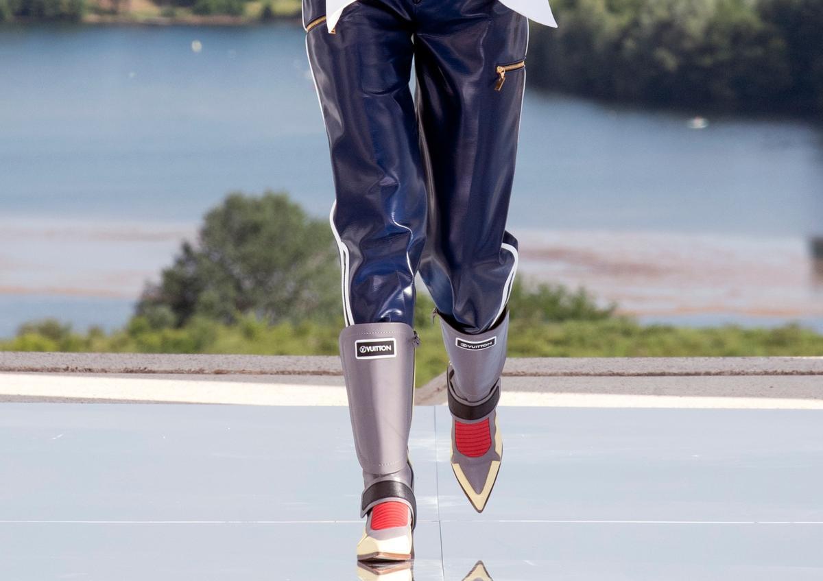 """Louis Vuitton présente des bottes inspirées de Vegeta, le héros de """"Dragon Ball Z"""""""