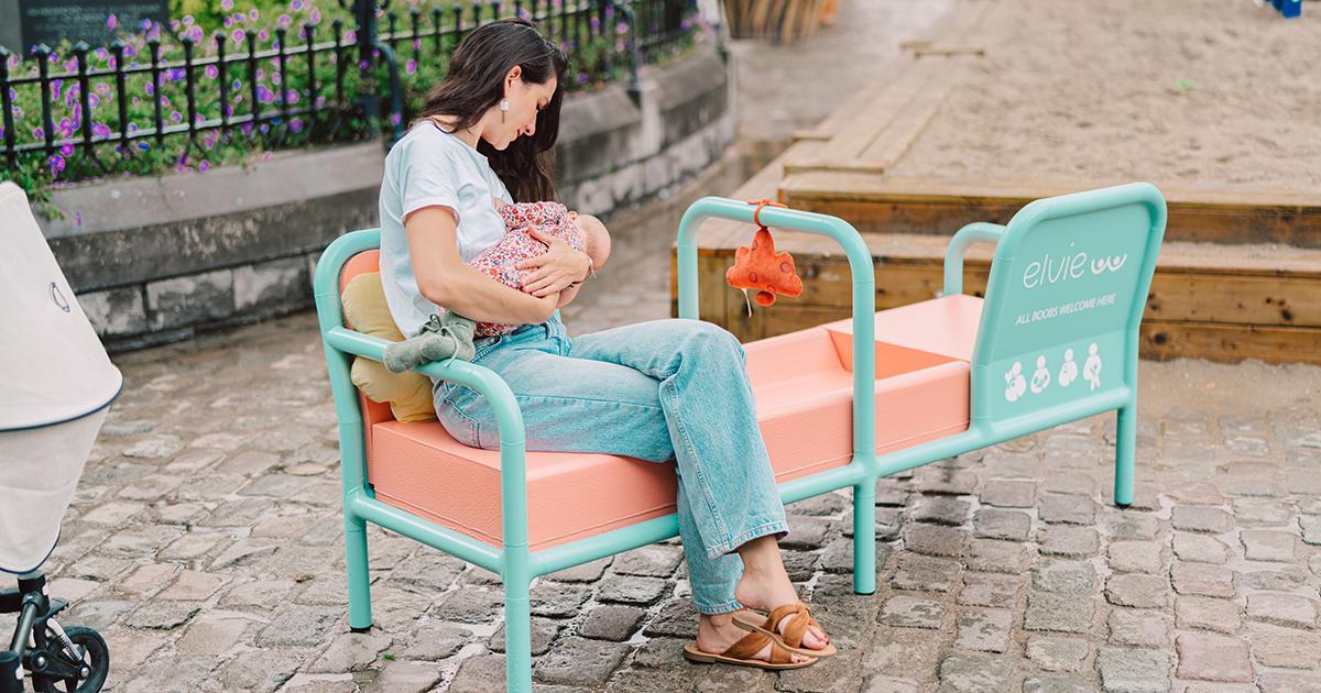 La Belgique lance le tout premier banc public spécialement conçu pour l'allaitement
