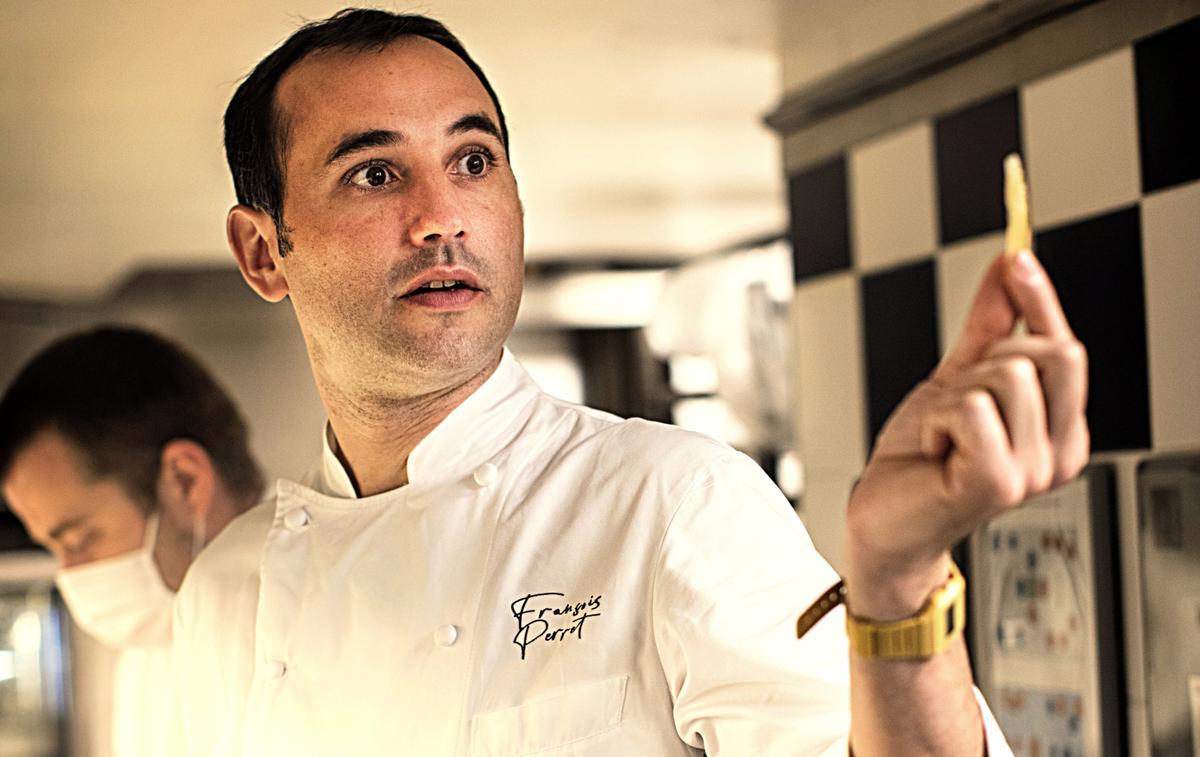 """François Perret, chef pâtissier du Ritz : """"Une pâtisserie, c'est du volume, du moelleux, du vaporeux"""""""