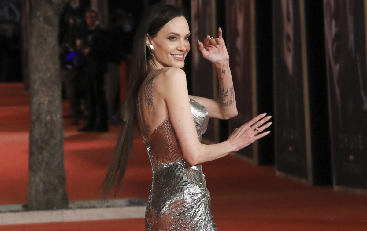 Les déroutantes extensions d'Angelina Jolie sur le tapis rouge des «Eternals»