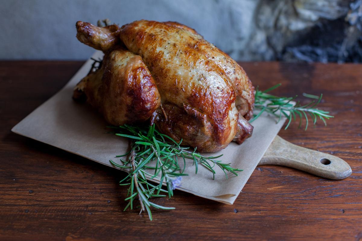 Rôtie au four ou grillée à la poêle, en salade ou en confit, nos meilleures recettes de volaille