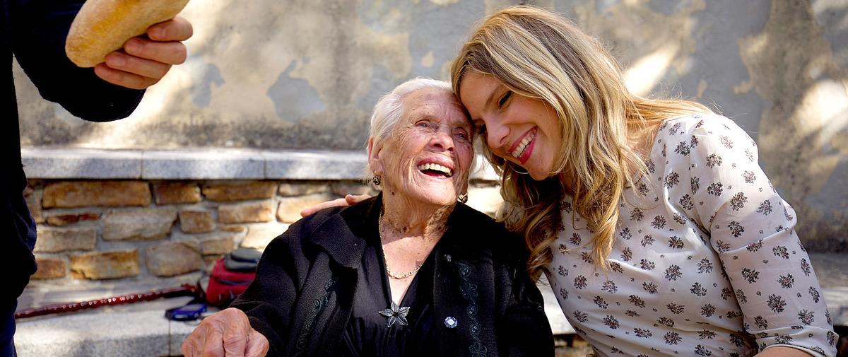 """À la découverte des """"zones bleues"""", ces villages reculés où les centenaires vivent heureux"""