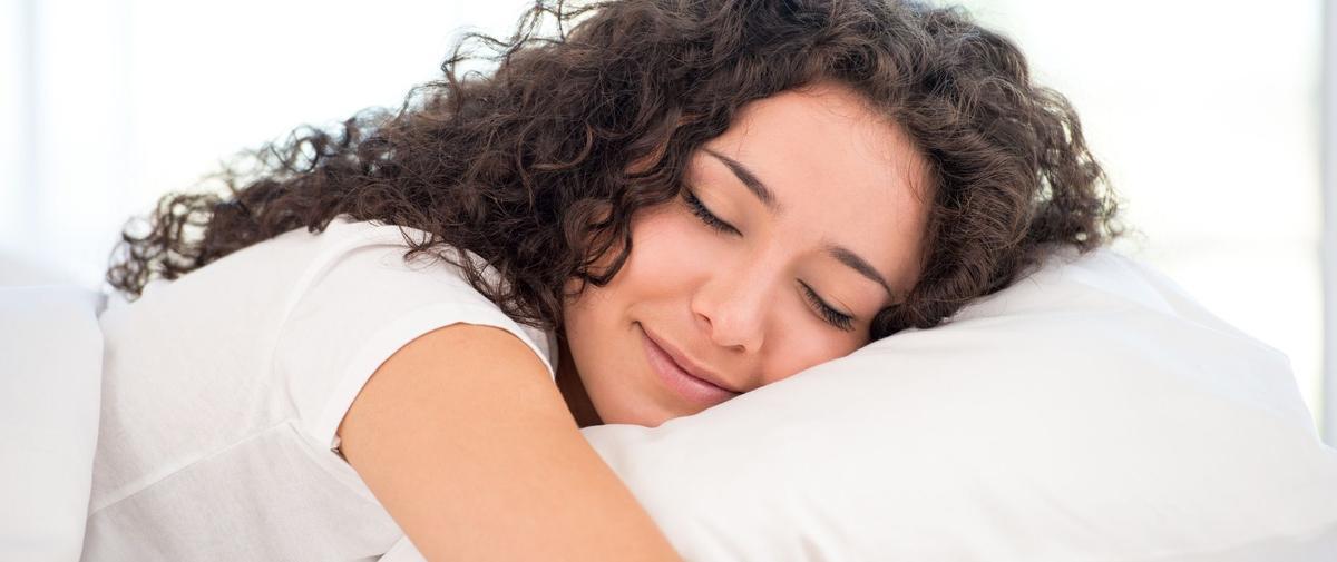 Douleurs cervicales : quel oreiller choisir pour bien dormir ?