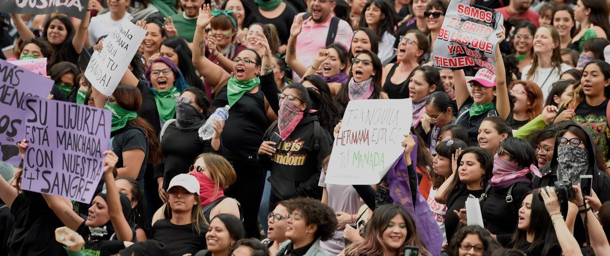 Au Mexique, des milliers de femmes descendent dans la rue après des accusations de viols contre des policiers