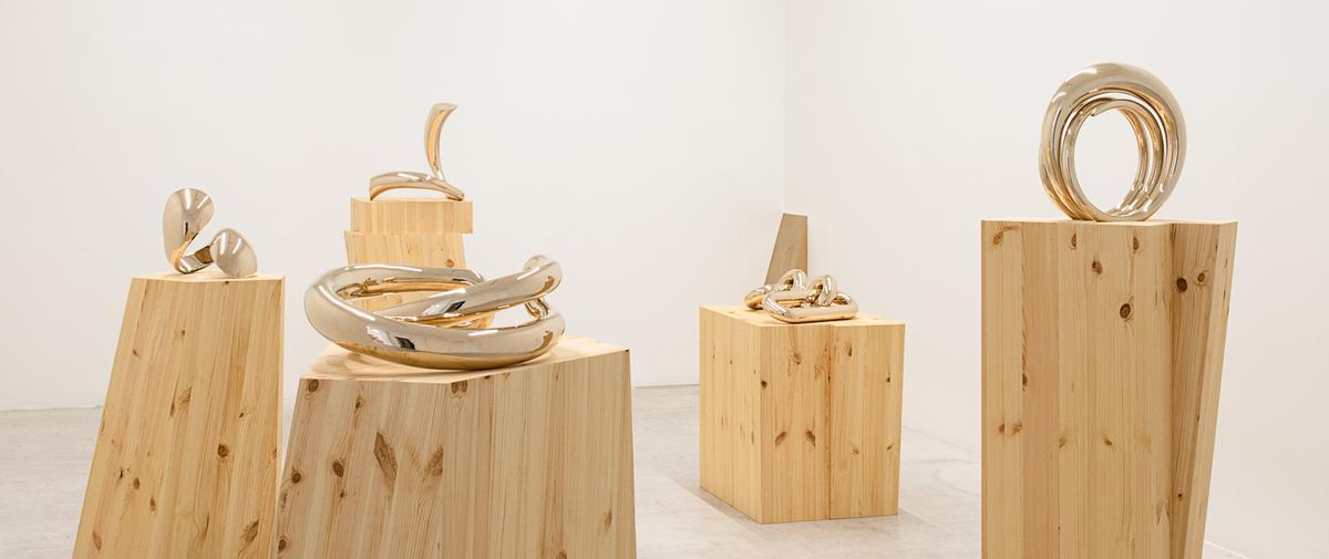 Charlotte Chesnais expose ses sculptures bijoux à la Galerie italienne à Paris