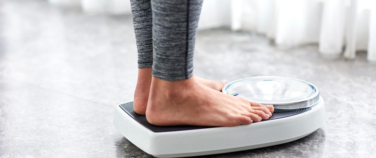 Pourquoi perd-on plus difficilement du poids en vieillissant ? Perte-de-poids-age