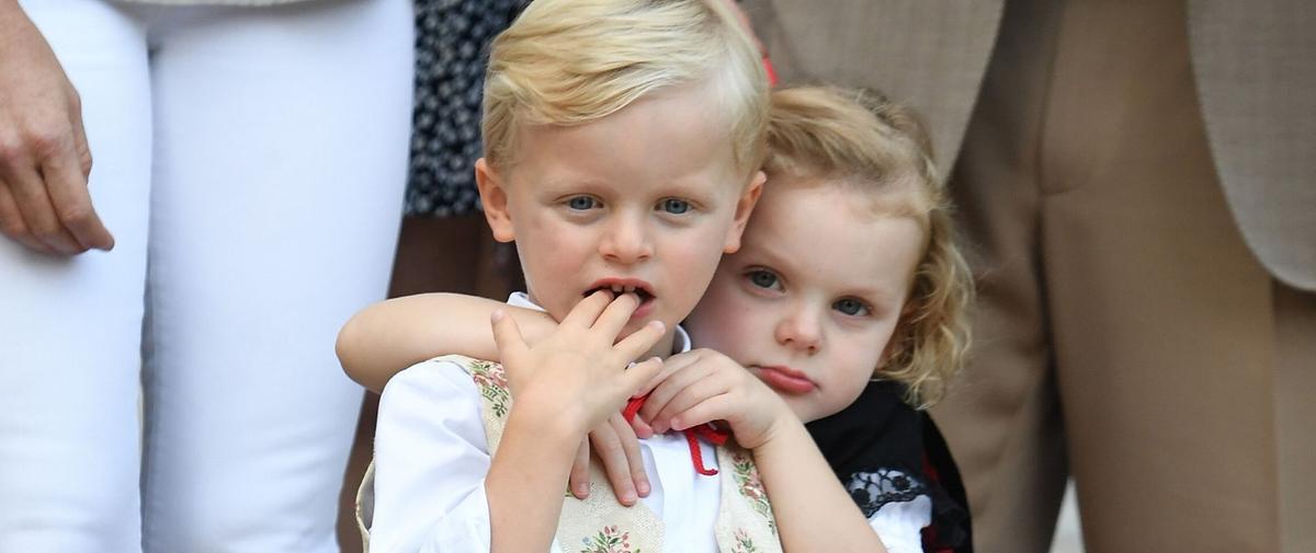 Les jumeaux d'Albert et Charlene de Monaco en 17 photos irrésistibles