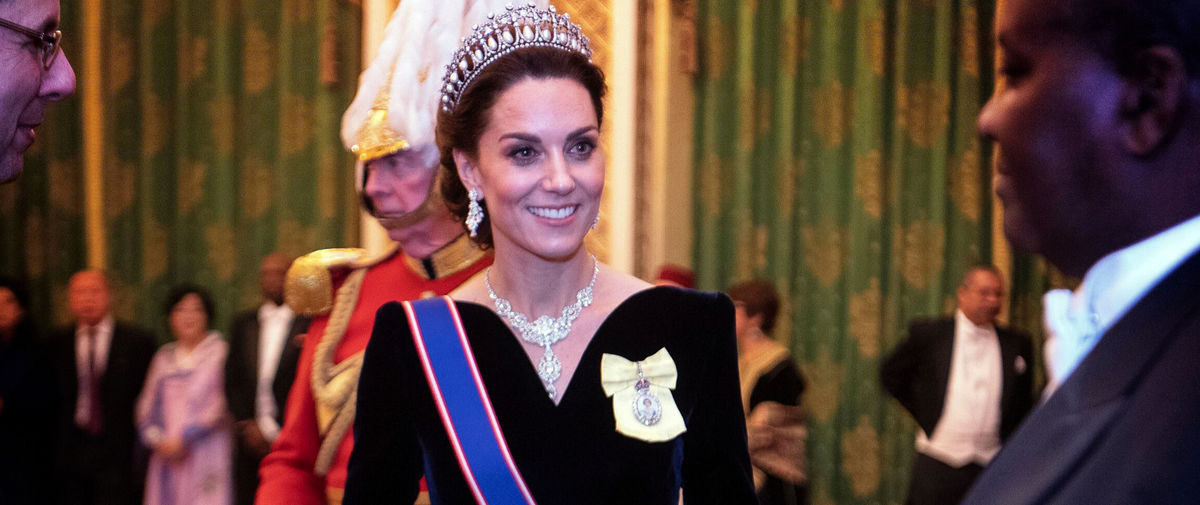 Avec la tiare de Diana, l'apparition irréelle de Kate Middleton à Buckingham Palace