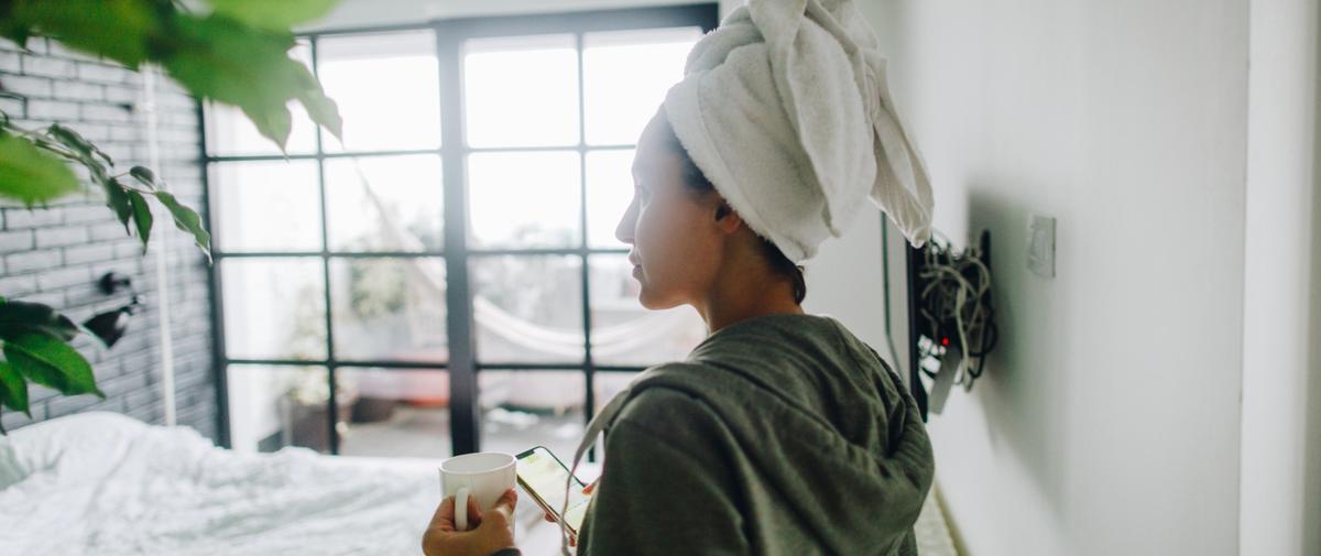 Vous ne devriez raisonnablement pas sortir les cheveux mouillés