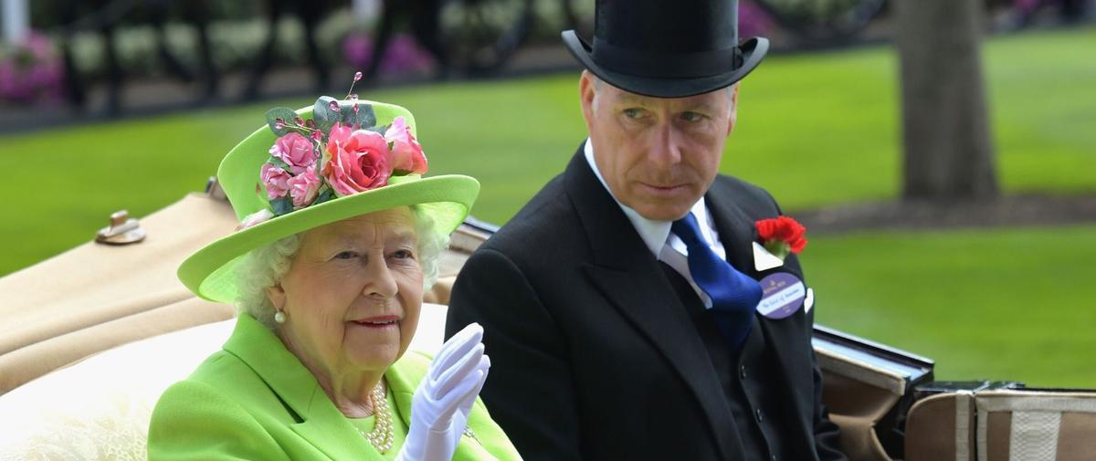 """Deux divorces en une semaine : Elizabeth II """"attristée"""" par une nouvelle séparation au sein de la famille royale"""