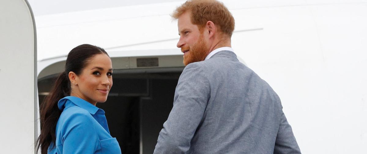 """Meghan et Harry : les premières photos volées du couple Sussex depuis le """"Megxit"""""""