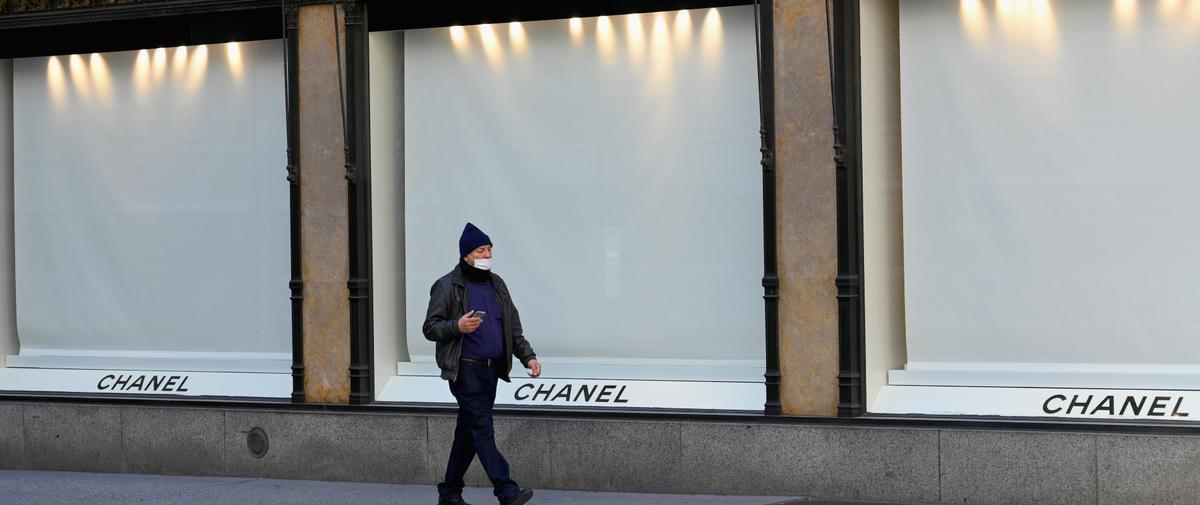 Chanel renonce au chômage partiel et maintient le salaire de ses employés pendant l'épidémie