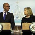 Hillary Clinton reçoit le président de Haïti