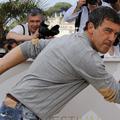 Antonio Banderas joue les gros bras